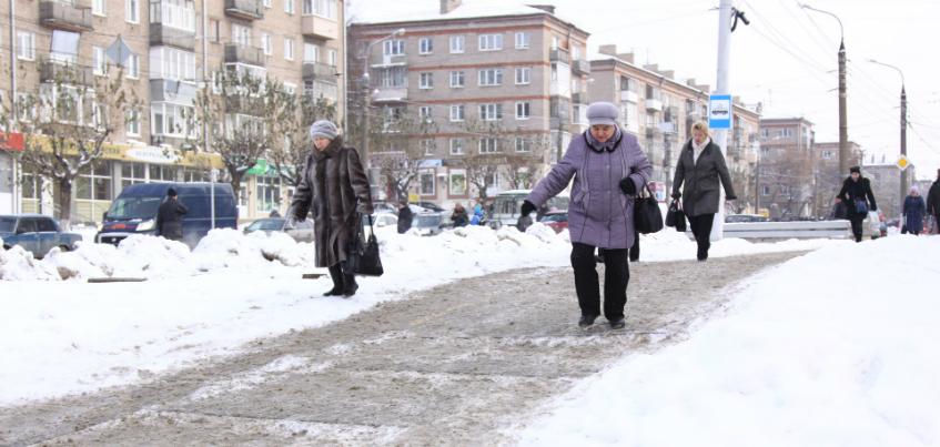 Сломанные лодыжки и руки: как Ижевск переживает гололед на улицах