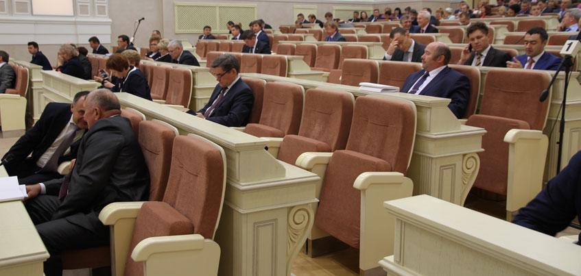 В Удмуртии обсудят сокращение числа депутатов в Госсовете в ноябре