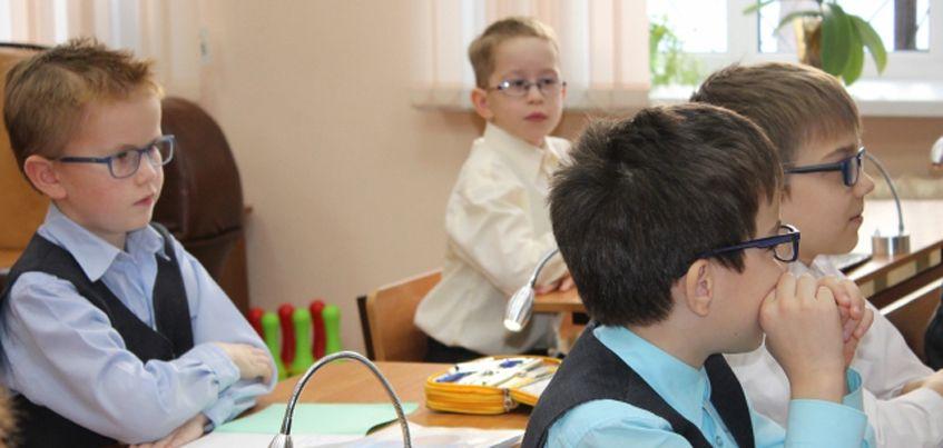 В Ижевске активисты народного фронта нашли недостатки в оснащении доступной средой школы № 61