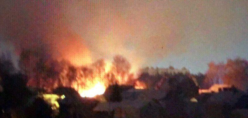 В одном из автосервисов Ижевска сгорело пять автомобилей