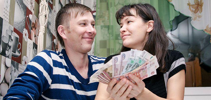 Программисты и парикмахеры: у кого в этом году выросла зарплата в Ижевске