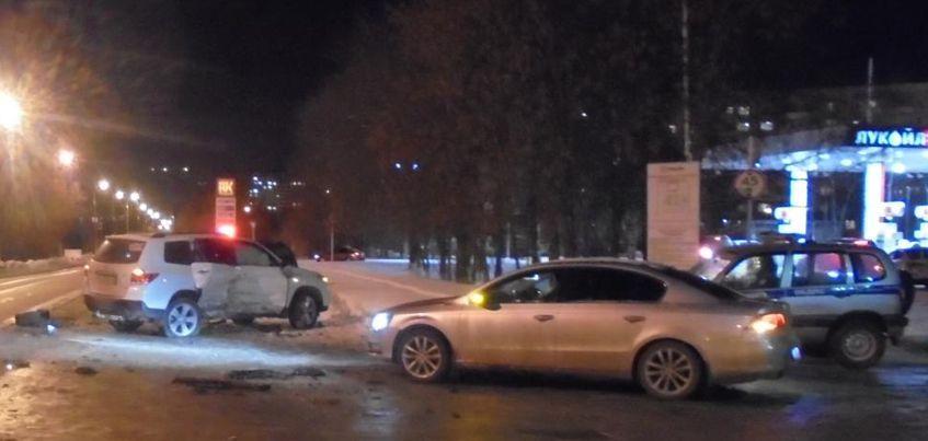 Массовое ДТП произошло на улице Камбарской в Ижевске