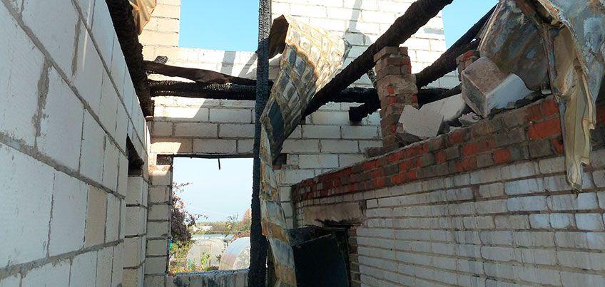 Пенсионеры из Ижевска из-за пожара лишились крыши над головой и три месяца скитаются по родственникам
