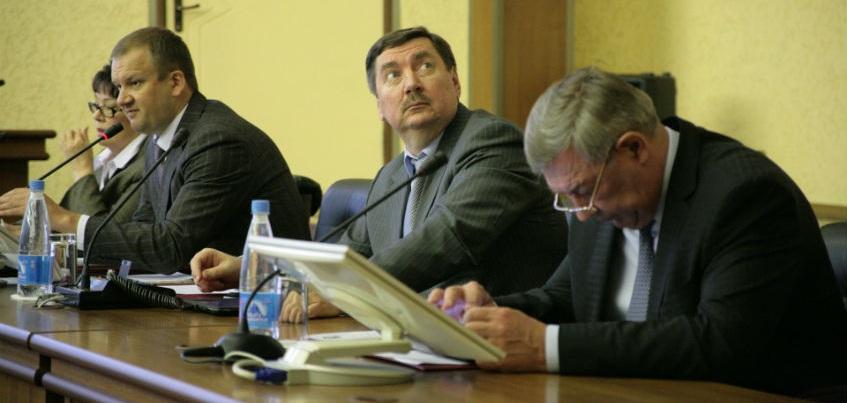 Деньги на ремонт теплосетей Ижевска предлагают взять у депутатов и чиновников