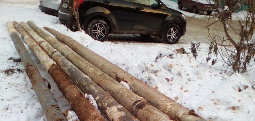 В Ижевске возле школы № 42 срочно заменили 150 метров труб