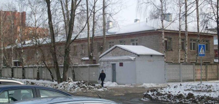 Здание бывшего военного госпиталя по улице Красногеройской продают в Ижевске