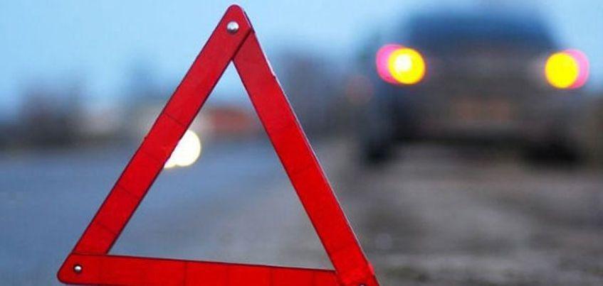 В Ижевске на остановке общественного транспорта сбили молодую девушку