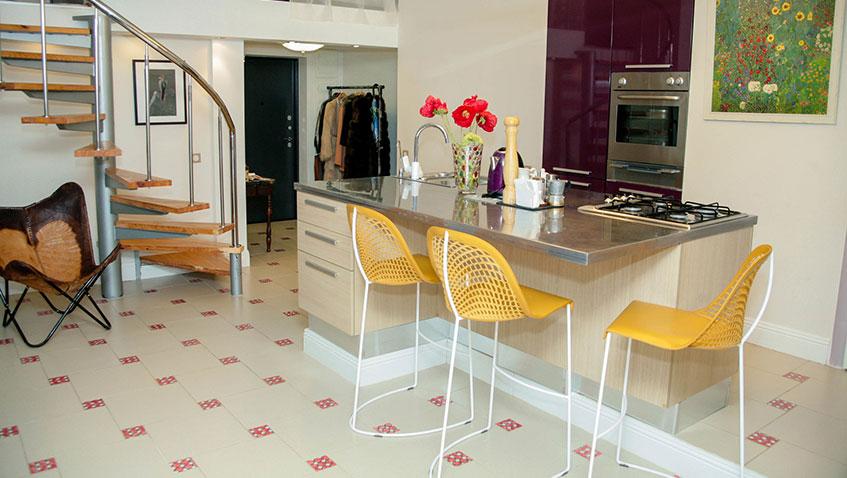 Квартира недели: как нестандартную квартиру-студию оформить в современном стиле