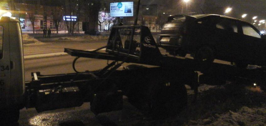 Водитель-лихач в Ижевске чуть не устроил массовое ДТП на Воткинском шоссе