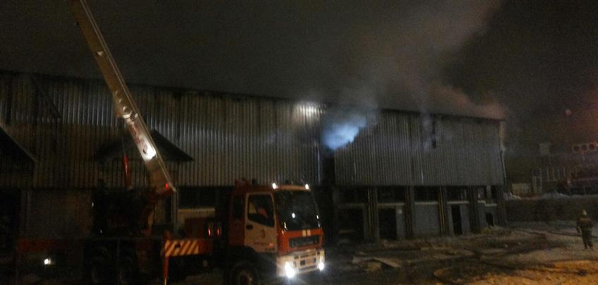 Причиной пожара на складе в Ижевске могла стать неисправная проводка
