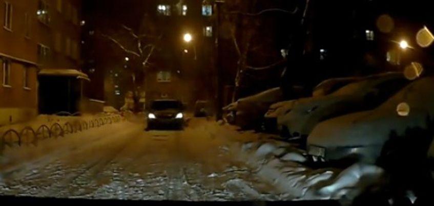 В Ижевске водитель такси сбил пенсионерку во дворе дома