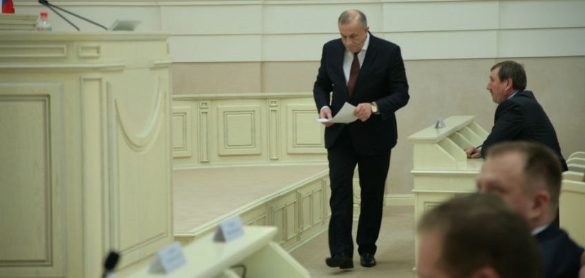 Глава Удмуртии об обысках в дорожных предприятиях: Виновные ответят!