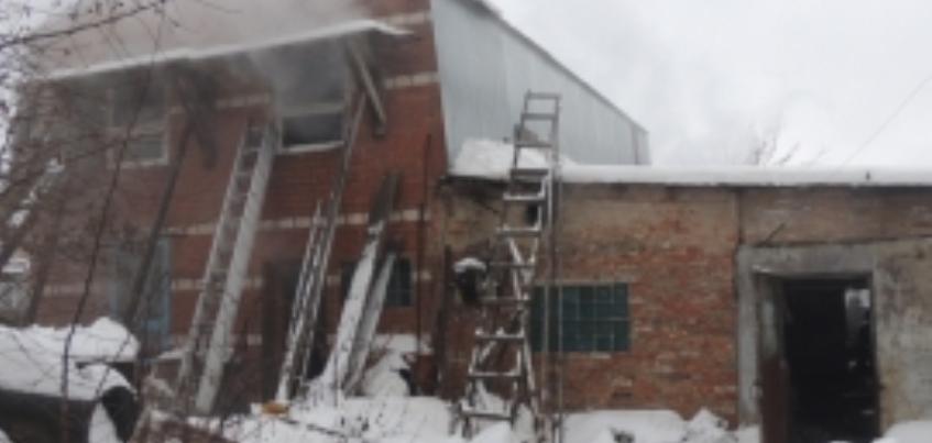 В Воткинске из-за невыключенного обогревателя загорелся дом