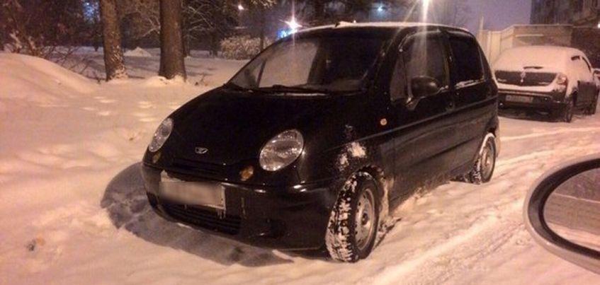 В Ижевске по следам на свежевыпавшем снеге нашли автомобиль