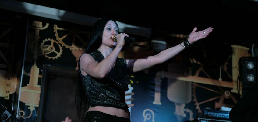 Рок-исполнительница Мара рассказала ижевчанам, как быстро вылечить простуду
