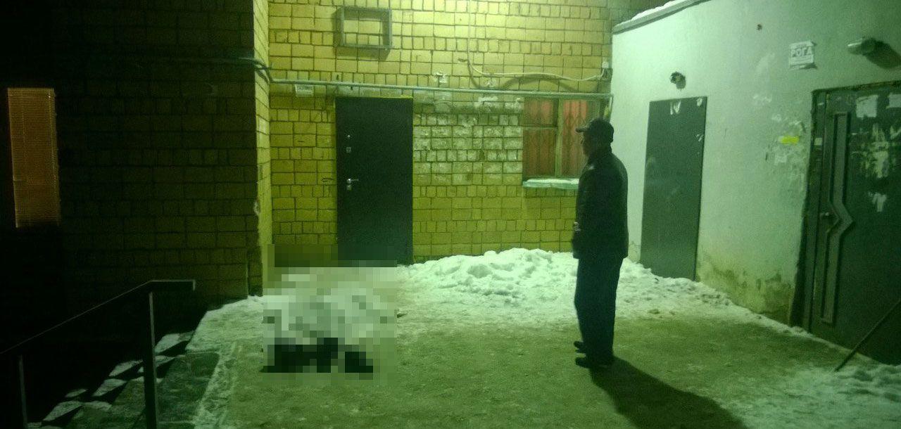 В Ижевске на улице 9 Января обнаружили труп мужчины