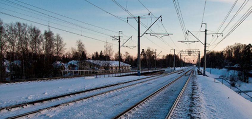 В Удмуртии на ж/д станции сошли с рельс три вагона и цистерна с жидкостью