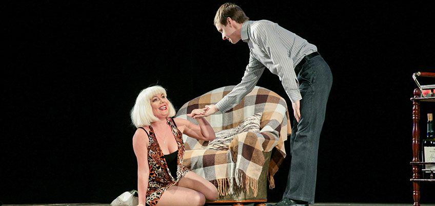 В Ижевске с аншлагом прошел спектакль «Подыскиваю жену. Недорого!»