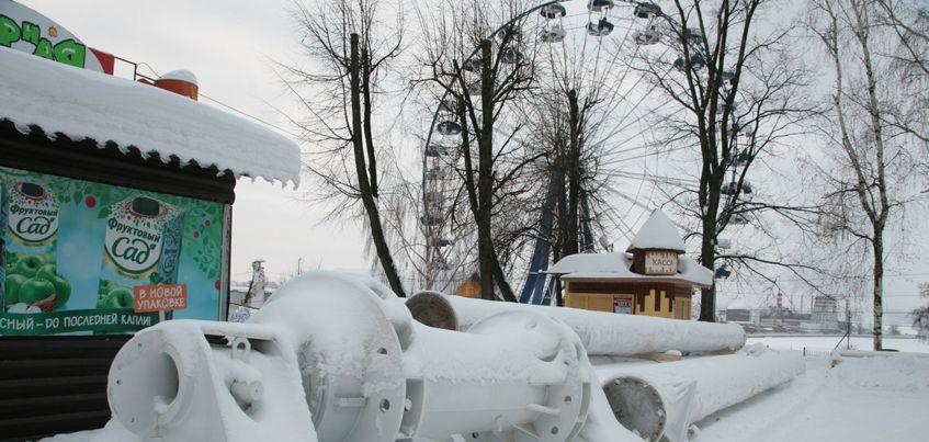 В Ижевск доставили новые опоры для колеса обозрения в Летнем саду
