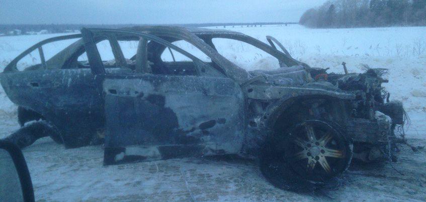 В Удмуртии  на Шабердинском тракте полностью сгорела иномарка