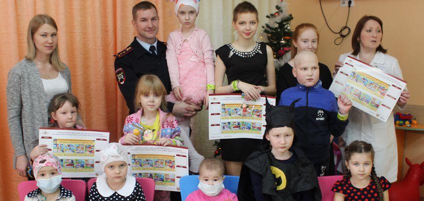 В Ижевске сотрудники ГИБДД подарили новогодние подарки тяжелобольным детям