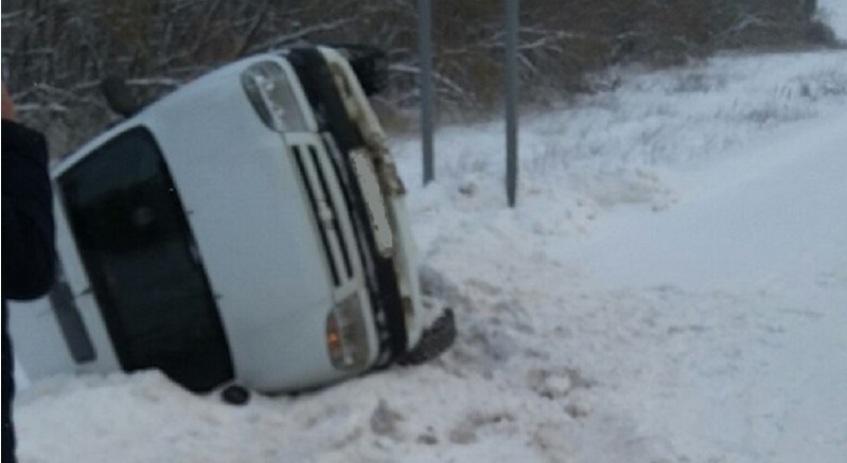 В Удмуртии водитель автомобиля «Сузуки» спровоцировал ДТП и скрылся с места аварии