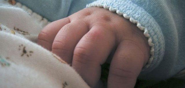Младенца, которого нашли в одной из многоэтажек Удмуртии, назвали Андреем Морозовым