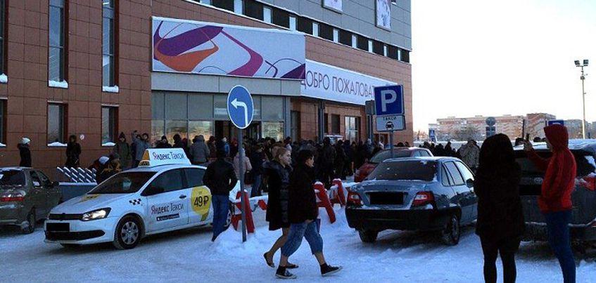 В Ижевске эвакуировали посетителей и персонал ТЦ «Талисман» из-за подозрительной коробки