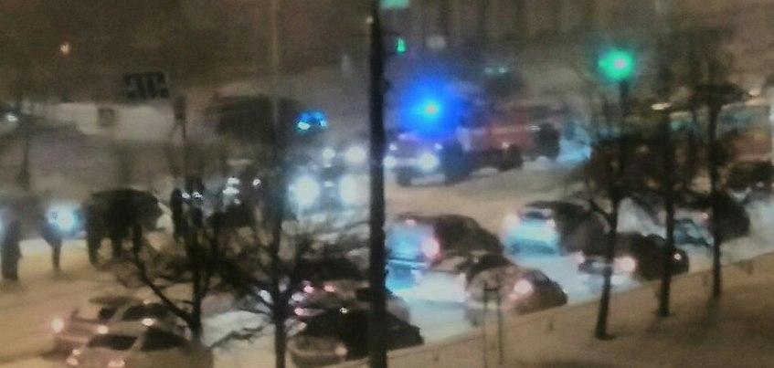 В Ижевске сбили женщину, которая переходила дорогу на красный свет