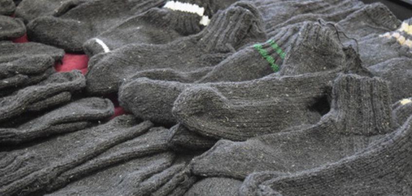 Осужденные Сарапульской исправительной колонии связали теплые вещи для нуждающихся
