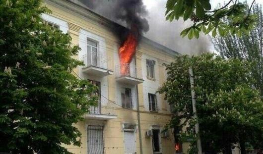 В Мариуполе начался бой между украинскими силовиками и ополченцами