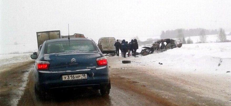 Сотрудник ГИБДД Удмуртии рассказал, как произошло жуткое ДТП, где погибли три человека