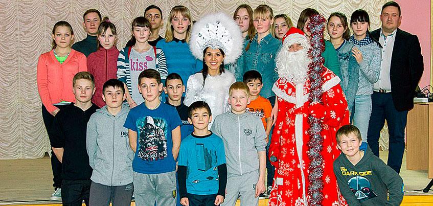 «Ростелеком» поздравил с Новым годом воспитанников Алнашского детского дома
