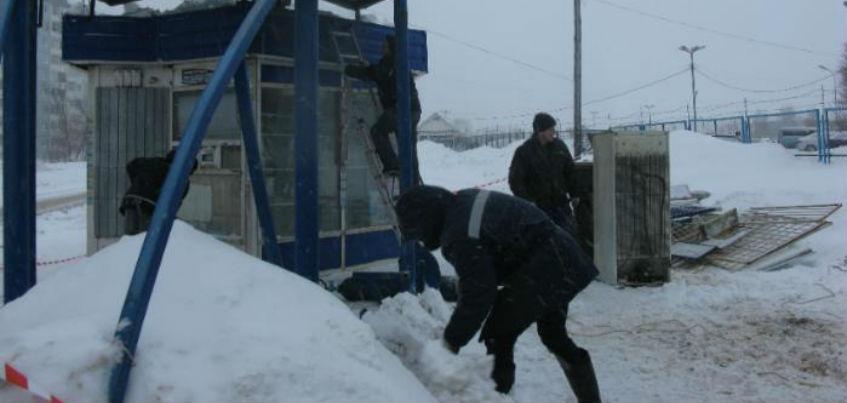 На улице Камбарской в Ижевске снесли ларек