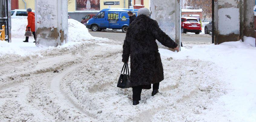 Администрация Ижевска согласилась с тем, что плохо очищает улицы от снега