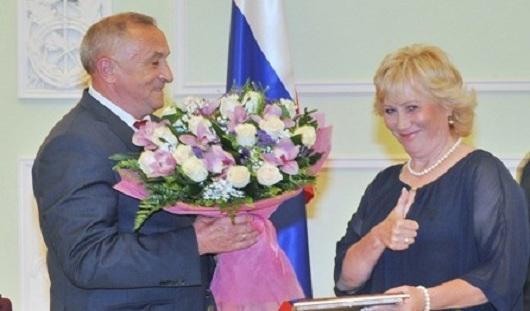 В Ижевске Тамаре Тихоновой вручили сертификат на 3 миллиона рублей