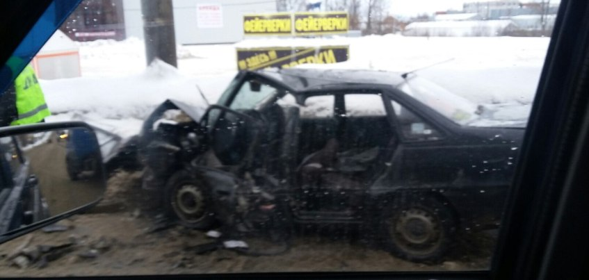 В Ижевске на улице Орджоникидзе произошло страшное ДТП