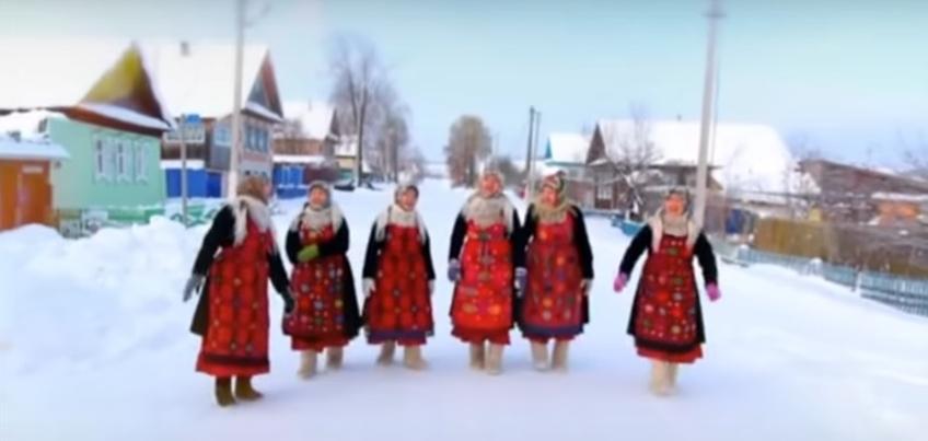 Текст выучили за одну ночь: как снимали новый клип «Бабушек из Бураново»