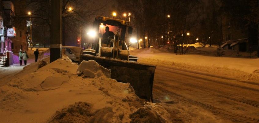 В Ижевске управляющие компании будут наказаны за снежные завалы во дворах