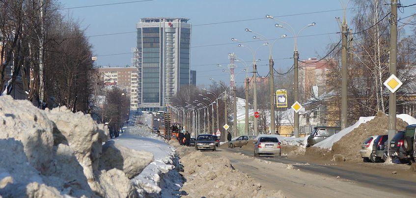 В Ижевске до конца зимы временно запретят парковку на некоторых участках улиц