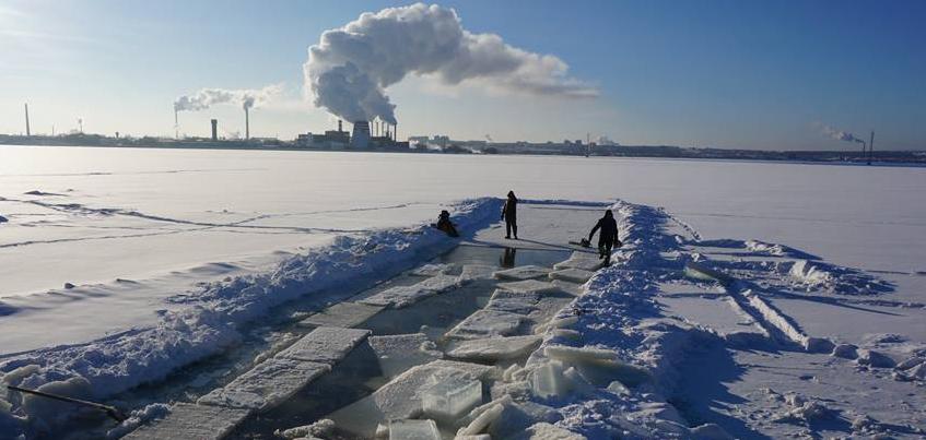 В Ижевске заготовили лед для фестиваля Ангелов и Архангелов