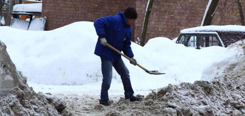 В эфире радио «Комсомольская правда» - Ижевск» поговорят о том, как коммунальщики должны чистить снег во дворах