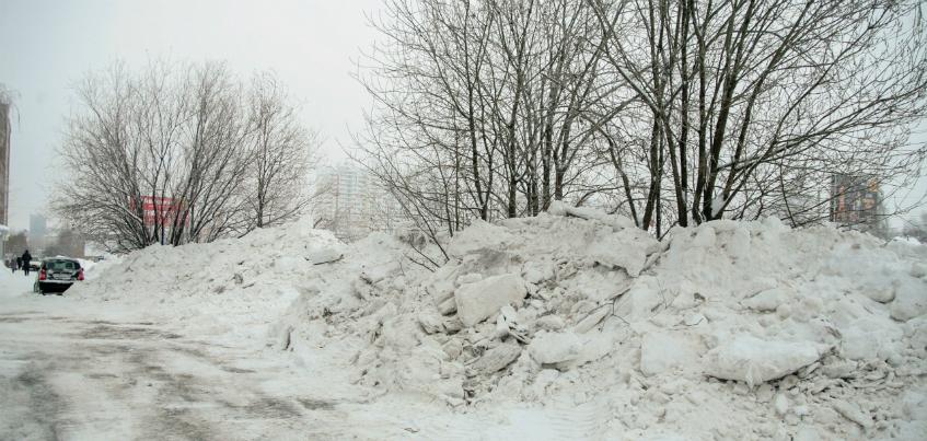 Администрация Ижевска: «Не нравится, как чистят снег? Жалуйтесь!»