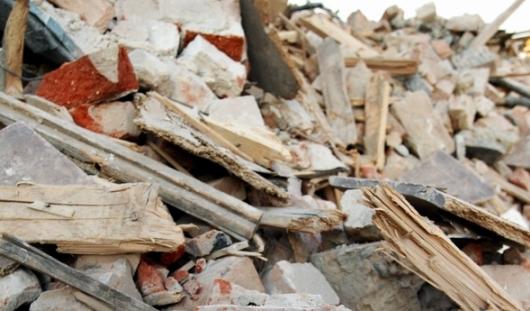 Мужчина погиб под рухнувшей стеной в Ижевске