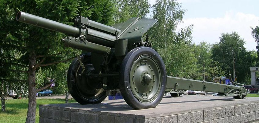 В Удмуртию привезли две военные пушки