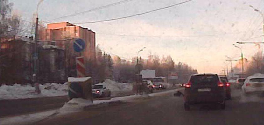 В Ижевске на Воткинском шоссе сбили 19-летнюю девушку