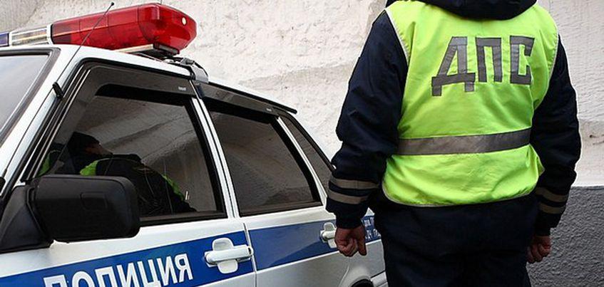 В Удмуртии пьяный водитель отечественного авто протаранил автомобиль ДПС