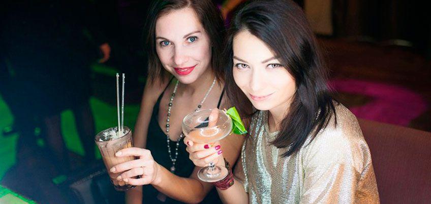 Бесплатный глинтвейн, скидка 30% на бургеры и кавер-вечеринка: 4 акции в кафе и барах Ижевска в День студента
