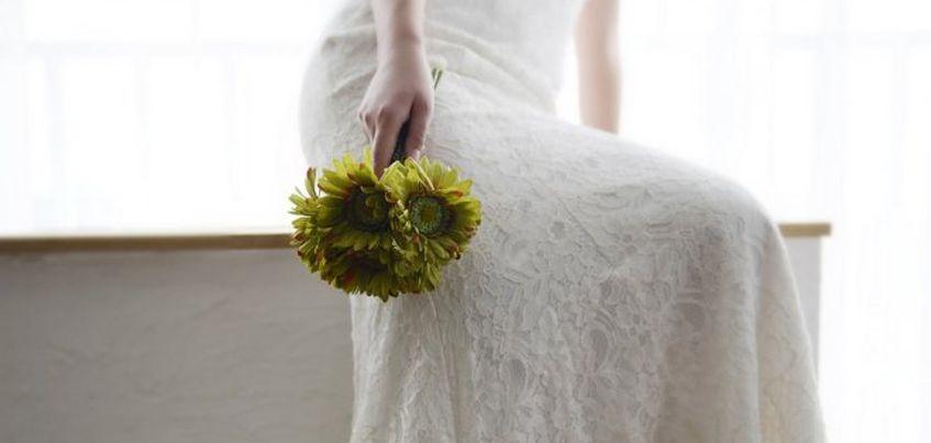 В Ижевске девушка похитила свадебное платье, сбежав в нем из салона