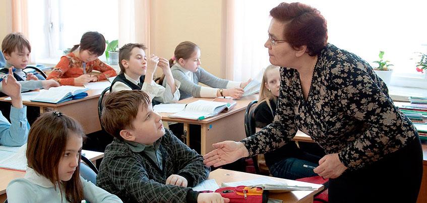 Запись в школы в Ижевске: 80% заявлений в первый класс были поданы лично